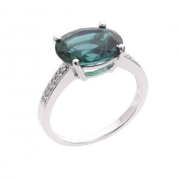 Nhẫn vàng 14K gắn đá Emerald