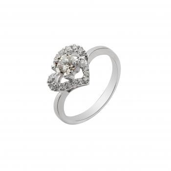 Nhẫn kim cương hình trái tim
